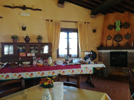 Semproniano, Italien: TA_IMG_20170522_100245_large.jpg