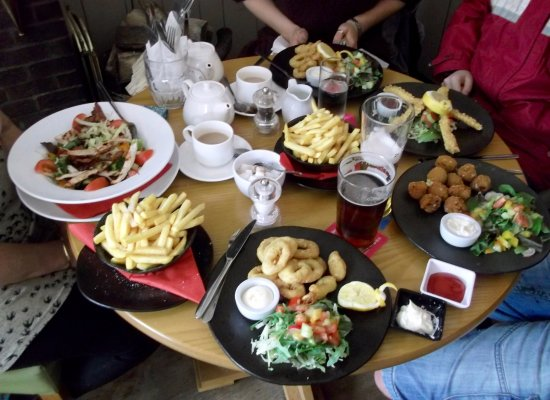 Hertford, UK: Great lunch after a woodland walk!