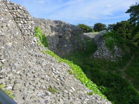 Old Sarum: What is left of some of the walls.