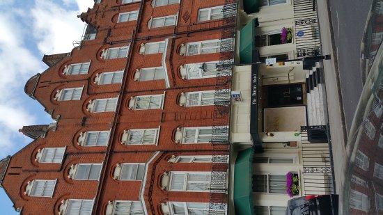 Best Western Burns Hotel Kensington: 20170423_140740_large.jpg
