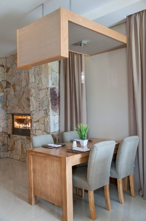 Addo, South Africa: Restaurant & Suhi Bar