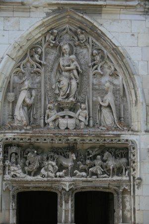 Amboise, France : Tympan de la chapelle du château