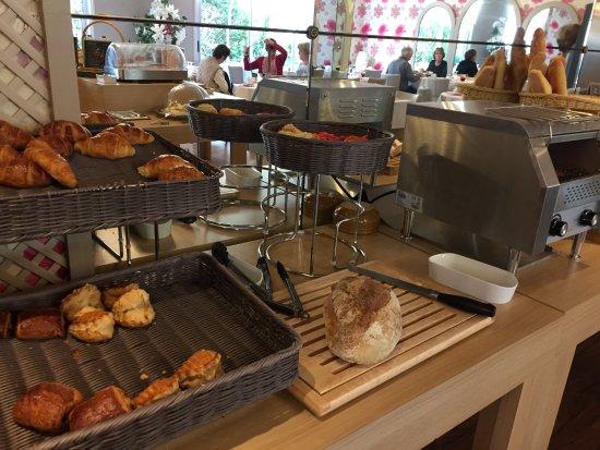 Hotel Charlemagne  breakfast