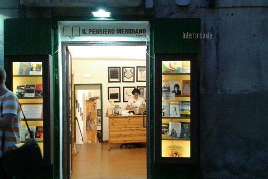 Independent Bookstore Pensiero Meridiano