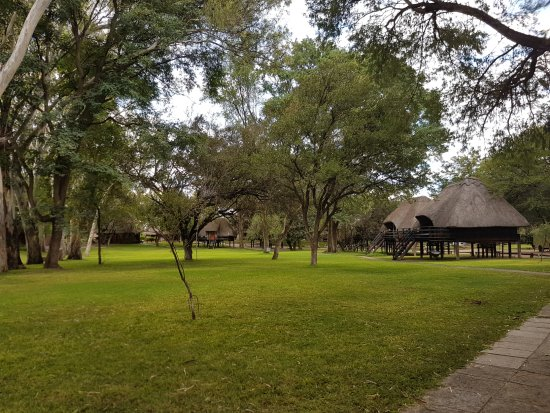 Francistown, Botswana: Rooms over looking the gardens