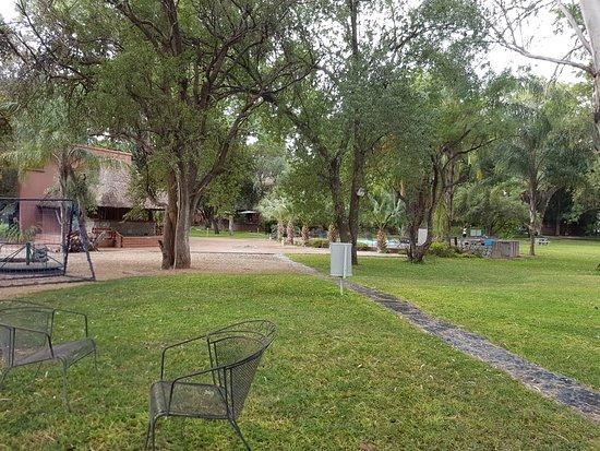 Francistown, Botswana: Lovely shady gardens