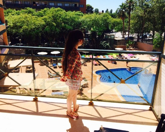 View from the room to the pool at the California Palace Salou