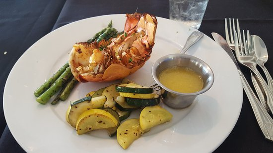 North Topsail Beach, NC: 7 inch lobster tail,asparagus & squash/zucchinni