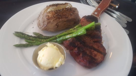 North Topsail Beach, NC: Filet mignon, asparagus & baked potato
