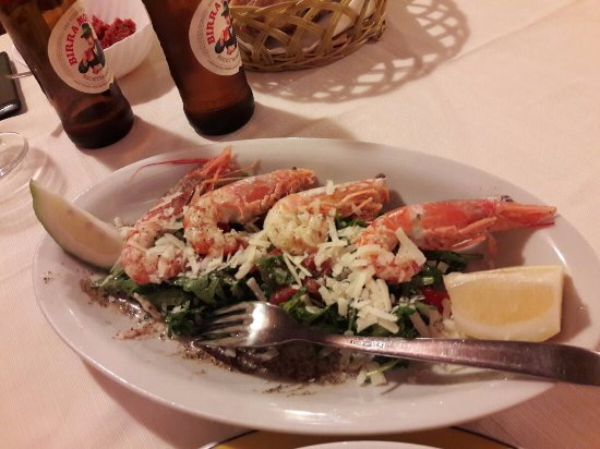 Sant' Alessio Siculo, Italy: вкусные креветки с рукколой