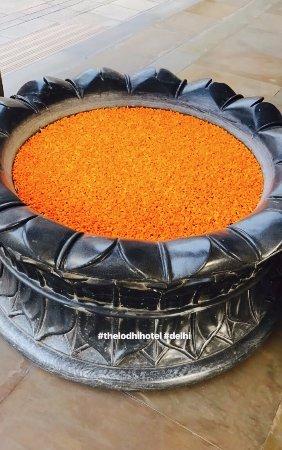 The Lodhi: huge flower vase at the enterance