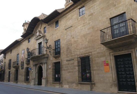 Alcalá la Real, España: Fachada del Palacio Abacial, ahora Museo arqueológico.