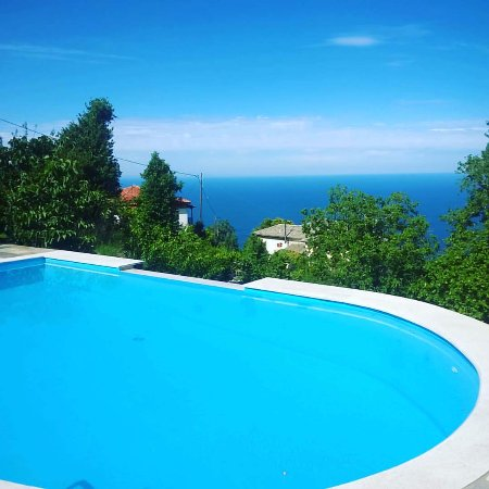 Pelion, Hellas: view of Guesthouse Theareston's pool (may 2017)
