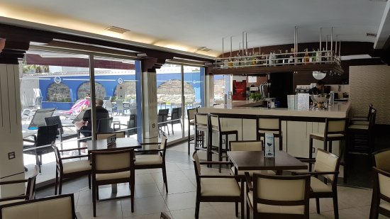 Bar photo de hotel torre azul spa adults only el for Les portent claquent