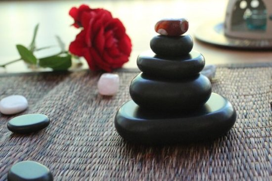 Hot Stone Massage at Salakanan Thai Massage & Spa Offenburg. Special Price 30 Min. 28€ until 31.
