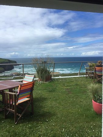 Mawgan Porth, UK: A view from the bar.