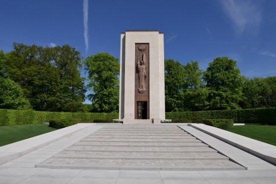 Luxembourg American Cemetery Memorial : American Cemetery in Lux.