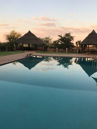 Aquanzi Lodge: Großer Pool