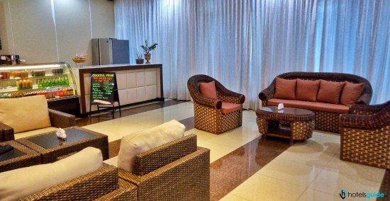 Clark Freeport Zone, Filipinler: Coffee Shop Seats-min_large.jpg