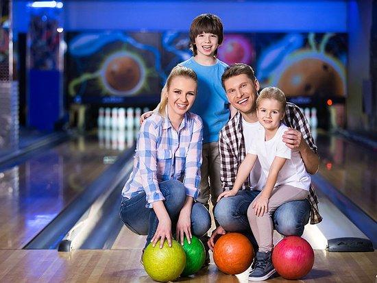 Andover, UK: Riverside bowling