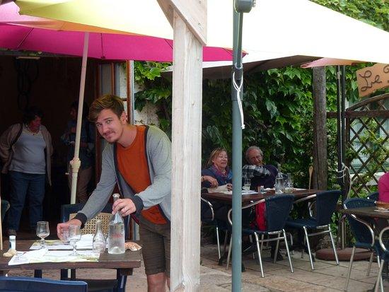 """Ile d'Aix. Restaurant """"Le Pressoir""""."""