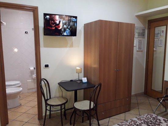 Letto A Castello Campania.Camera Quadrupla Con 1 Letto A Castello Foto Di Hotel Europeo