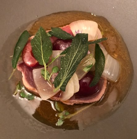 Le Chateaubriand : Tuna with Cherries and onion