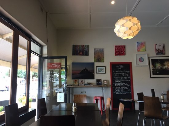 Lyndoch, Australia: inside area has local art and quirkiness :)