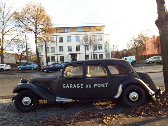 Picture of garage du pont potsdam tripadvisor for Garage location pont