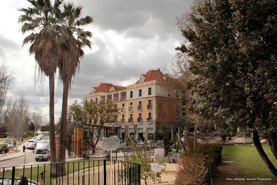 Gran Hotel Aqualange: Hotel desde el jard'in