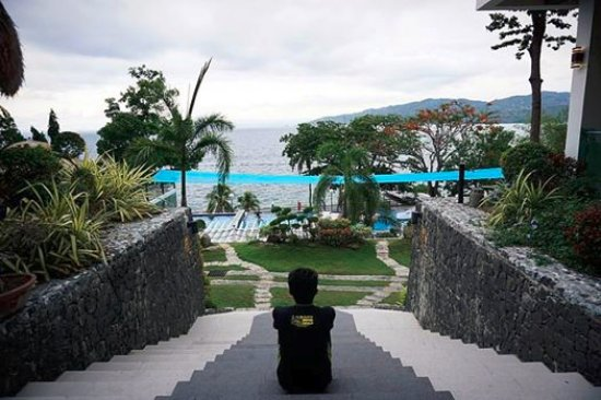 Anilao, Filippinene: Me, overlooking the pool area