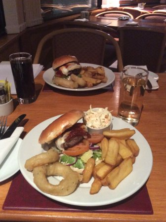 Alyth, UK: Our Pitcrocknie Burger hits the spot every time!