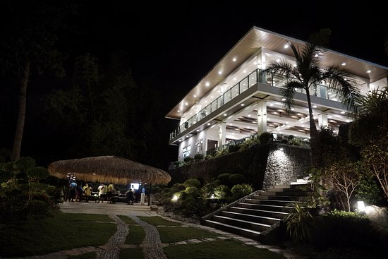 Anilao, Filippinene: Function hall at night
