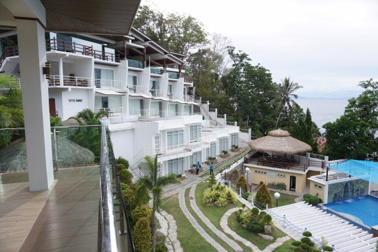 Anilao, Filippinene: over viewing the rooms from the function hall