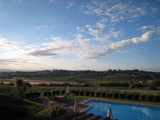 Acquaviva di Montepulciano, Italy: Stunning views in the most peaceful of surroundings