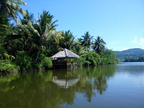 Koh Kong, Camboya: Ponton de détente, de repas et pour se baigner