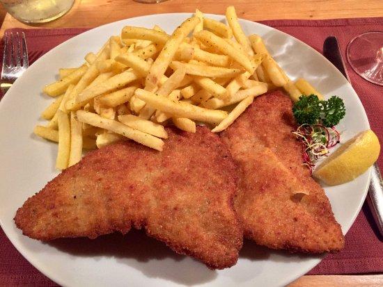 Worb, Suíça: Ein super Wiener Schnitzel (immer wieder 😉)