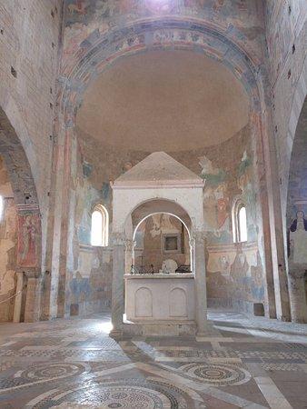 Tuscania, Italien: Interno