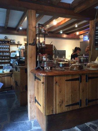 Capel Curig, UK: Inside