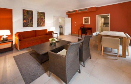Cannes Croisette Prestige Apparthotel: Salon 3 Pièces Espace 100 m2