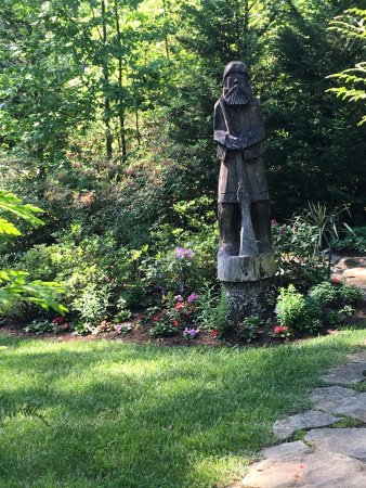 Fairview, NC: Carving in one of the many outdoor gardens