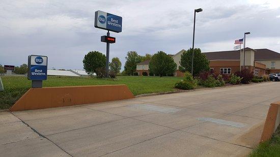 Best Western Teal Lake Inn: Entrance