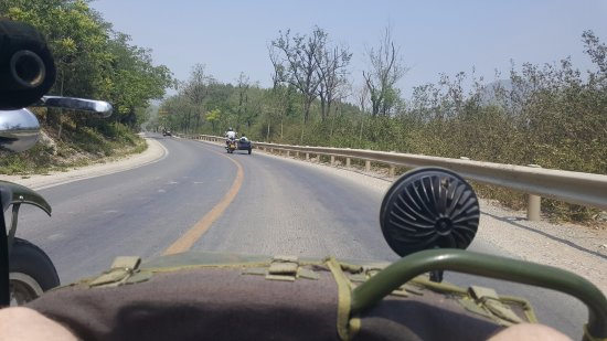 Side-car Motorcycles Trips - Beijing Sideways : Cruising through the countryside on the way to the Great Wall
