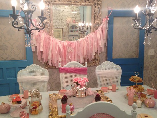 Rogers, Αρκάνσας: Princess Tea Party - Fayetteville Arkansas