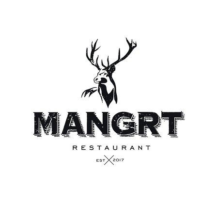 Log pod Mangartom, Slovenya: Mangrt - Est 2017!