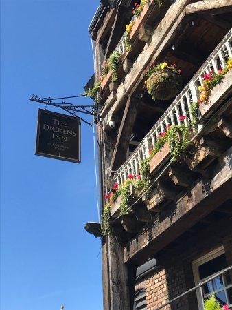Dickens Inn: photo0.jpg