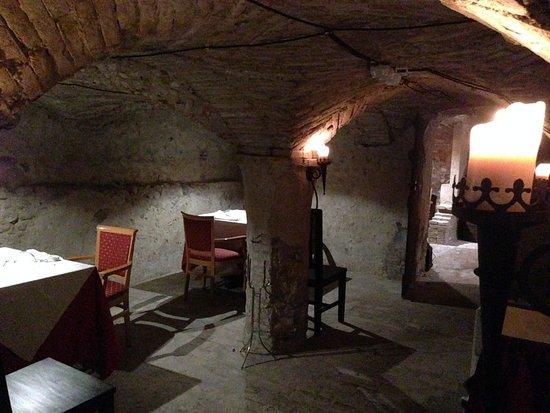 Montechiarugolo, อิตาลี: CANTINE