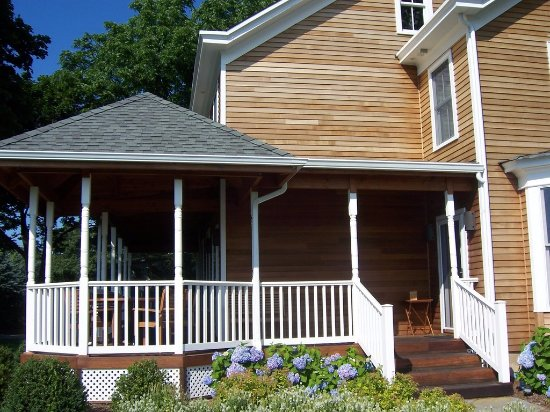 Mattituck, NY: Farmhouse Inn Porch