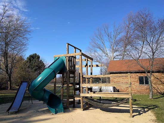 Fennville, MI: Children love the large play structure!