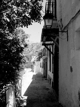 Mecina Fondales, Spanien: Pampaneira © Robert Bovington